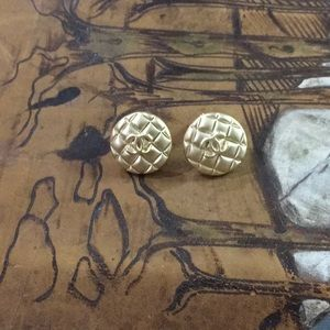 Gold vintage Chanel button earring